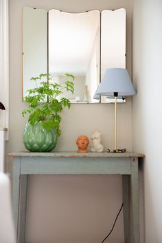 Michaela Grut lives in this house in Stockholm, which features charming details like paneled ceilings and paned windows with deep marble windowsills. Ikea Headboard, Swedish Interior Design, Old Kitchen Tables, Swedish House, Natural Home Decor, Room Wallpaper, Scandinavian Home, House Design, House Styles