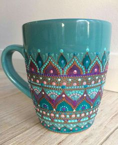 Boho mug (fun projects glass bottles)Lovely hand-painted mugLove this coffee mug. Really pretty color.Creative Gifts For Photographers [It doesn't have to be costly] Dot Art Painting, Pottery Painting, Ceramic Painting, Crackpot Café, Painted Cups, Painted Coffee Mugs, Hand Painted Mugs, Mandala Dots, Cute Mugs