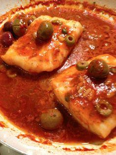 lamammacuoca: BACCALA' IN UMIDO SU CROSTONI DI PANE Fish Recipes, Seafood Recipes, Snack Recipes, Cooking Recipes, Romanian Food, Quick Snacks, Pane, Fish And Seafood, Italian Recipes