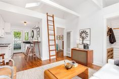 This historic Pine Street Cottage is itty-bitty and $425K - Curbed Seattle
