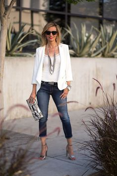 Taking a jacket from day to evening for date night | 40plusstyle.com