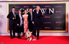 Matt Smith cuddles up to co-star Claire Foy at The Crown premiere Netflix Series The Crown, The Crown Series, Crown Netflix, Netflix Tv Shows, New Netflix, The Crown 2016, 11th Doctor, Matt Smith, Best Actress