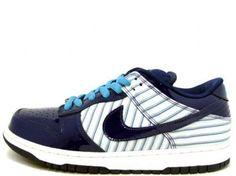 new styles e4c29 cbf39 Nike SB Dunk Low « Avengers »