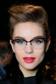 4dde8d6fd5b22 Glasses Spot brings to you the most premium quality of prescription glasses  at… Lunette Sans