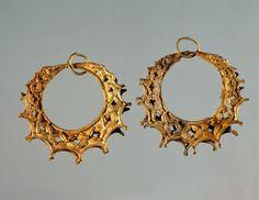 Gold earrings from Tomb III of Circle A of Mycenae (Greece), Goldsmith art, Mycenaean Civilization, 16th Century BC