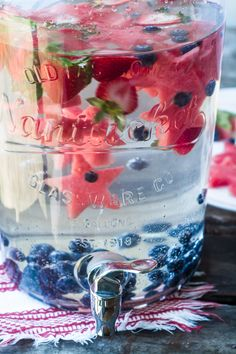 Star Spangled Fruit Infused Water ~ don't save this patriotic thirst quencher for Memorial Day or the of July ~ stay healthy and hydrated all summer long with this colorful fruit infused red white and blueberry water. Fourth Of July Decor, 4th Of July Desserts, 4th Of July Celebration, 4th Of July Decorations, 4th Of July Party, Fourth Of July Drinks, Fourth Of July Recipes, 4th Of July Ideas, July 4th Appetizers