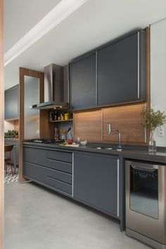Retro kitchen: 60 amazing decor ideas to check out - Home Fashion Trend Small Modern Kitchens, Small American Kitchens, Modern Kitchen Design, Bathroom Interior, Kitchen Interior, Kitchen Decor, Coffee Bars In Kitchen, Amazing Decor, Küchen Design