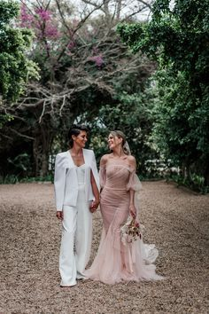 This romantic elopement gives a whole new meaning to pretty in pink, with a stunning wedding dress and rad bridal jumpsuit! Bridal Looks, Bridal Style, Bridal Portrait Poses, Elopement Reception, Wedding Table Linens, Blush Gown, Bridal Jumpsuit, Couple Shots, Most Beautiful Images
