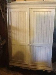 tv cabinet/armoire/entertaiment center
