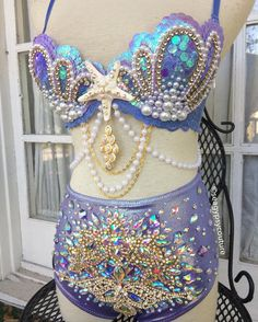 lavender & gold sparkle perfection ✨💜✨ embellished high waisted or low-rise cheeky bottoms can be made to match any bra order 🐚 Festival… Music Festival Outfits, Festival Fashion, Mermaid Bikini, Diy Bra, Rave Girls, Rave Costumes, Rave Festival, Rave Wear, Gold Sparkle