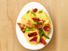 Get this all-star, easy-to-follow Bacon Deviled Eggs recipe from Sandra Lee