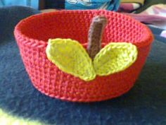 Crocheted Apple Trinket Bowl - this is way too cute - for fall and back to school!