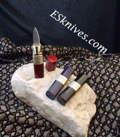 Hidden Lipstick Knife   Extremely-Sharp.com