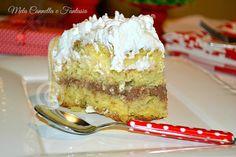 una torta semplice e deliziosa, decorata con savoiardi per renderla non solo buona ma anche bella!!
