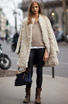 street style. LOVE THIS COAT. THIS LENGTH COAT BIG FOR COLDER SEASONS
