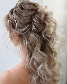 68 2019 The coolest hair color trends # hair color trends . - 68 2019 The coolest hair color trends # hair color trends … 68 2019 The coolest hair color trends # hair color trends Half Up Wedding Hair, Classic Wedding Hair, Wedding Hair And Makeup, Hair Makeup, Perfect Wedding, Wedding Hair Styles, Braids For Wedding Hair, Wedding Hair With Braid, Wedding Hair Blonde
