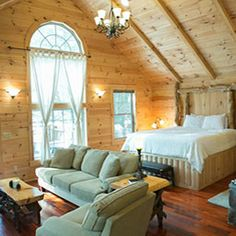 Amish Country Ohio Lodging :: Bed and Breakfast & Tree House Cabins