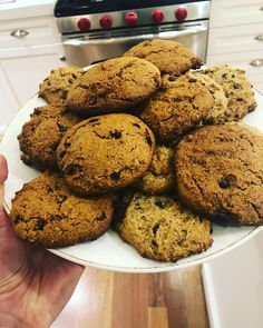 There are two in my house who need gluten free (I . But -there are 4 in this house that LOVE cookies. These grain free… Banana Chocolate Chip Muffins, Chocolate Chip Recipes, Cookie Recipes, Diet Recipes, Healthy Recipes, Recipies, Paleo Dessert, Dessert Recipes, Chip Cookies