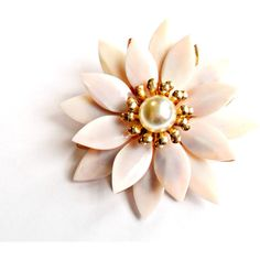 Blush Pink Flower Brooch Vintage Glass Petals Faux Pearl Gold Tone... ($16) ❤ liked on Polyvore featuring jewelry, brooches, vintage brooches, vintage jewelry, bridal jewellery, pin brooch and vintage glass jewelry