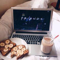Pinterest: @heyyyitslaura Instagram: @heyyy_its_laura  #morning #goodmorning #breakfast #lazy #lazydays #lazygirl #teens #girlythings #food #drink #coffee