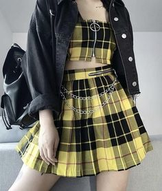 Ways to Wear Chic Grunge Outfits in Spring Gothic Outfits, Edgy Outfits, Cute Casual Outfits, Mode Outfits, Korean Outfits, Grunge Outfits, Teen Fashion Outfits, Kpop Fashion, Cute Fashion
