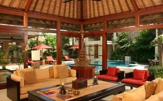 Villa Wibisana is a private luxury villa in Seminyak perfectly suited for those who demand the fineries of a 5 star luxury hotel. #BaliVillas