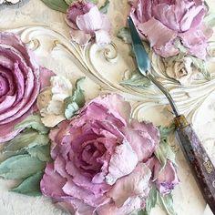 """Доброе утро! Шторм продолжается!!! В это """"прекрасное"""" лето надо купить побольше штукатурки.......и самим его (лето) нарисовать, все в розах, розах, розах.......#декоративнаяштукатурка #объемныйдекор #объемнаяживопись #обьемныерозы #скульптурнаяживопись #декор#панно #море #спб #подольск#shabbychic #design #provence #decorasyon #paris #розы#картина #интерьерспб #интерьер#дом#сад#дизайнинтерьера#стиль#мода#прованс #шеббишик"""