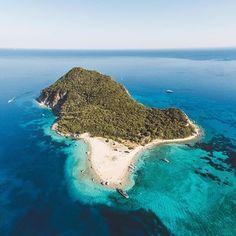 Marathonisi Island aka Turtle Island ❤️  Credit to @aris_katsigiannis   #ellada#ilovegreece#zakynthos#