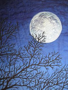 """Blue Moon River: Quilting """"I See the Moon"""" The moon is painted with a metallic acryclic textile paint (Lumiere by Jacquard). Thread Painting, Love Painting, Landscape Art Quilts, Moon Shadow, Moon River, Blue Quilts, Quilted Wall Hangings, Quilting Designs, Quilting Ideas"""