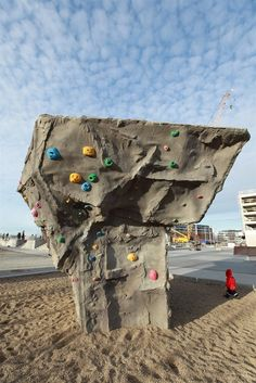 Swedish climbing park Kids Play Places, Printed Concrete, Kids Outdoor Play, Garden Park, Beach Pool, Kids Playing, Playground, Climbing, 3d Printing