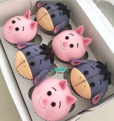 cute cupcakes for kids Winnie The Pooh Cake, Winnie The Pooh Birthday, Baby Birthday, Geek Birthday, Birthday Cakes, Comida Disney, Disney Food, Starbucks Tumbler, Starbucks Cup
