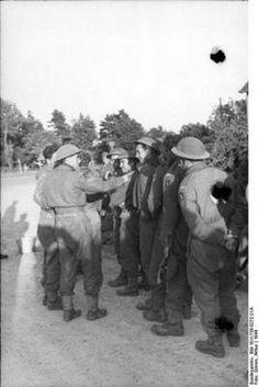 world war 2 photos british forces captured desert rats