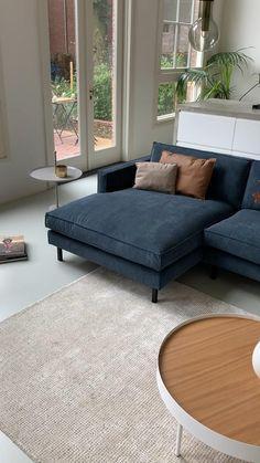 Simple Living Room Decor, Living Room Sofa Design, Living Room Designs, Minimalist Sofa, Interior Decorating, Interior Design, Interior Modern, Luxury Sofa, Loft Design