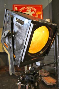 Metal box shaped spotlight lamp