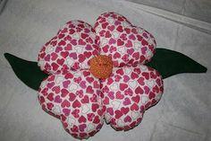 FEITO POR MIM - ARTESANATO PASSO A PASSO : Almofada em Formato de Flores