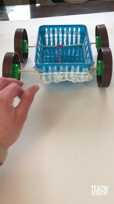 Fairy Tale STEM project~ Build a rubber band car / carriage fit for a princess! Make a rubber-band powered cinderella carriage! Science Projects For Kids, Science Experiments Kids, Science For Kids, Steam Activities, Activities For Kids, Fairy Tale Activities, Rubber Band Car, Rubber Band Crafts, Steam Education