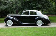 Rolls Royce Silver Dawn 1953 black/grey. Bigboot Bigbore automatic.