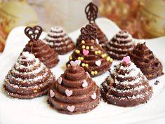Fondant, Mini Cupcakes, Waffles, Deserts, Food And Drink, Breakfast, Christmas, Recipes, Dessert Ideas