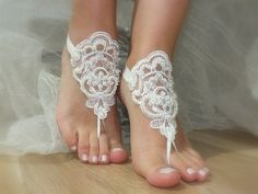 french lace ivory pearlsbridal anklet Beach wedding by geranum