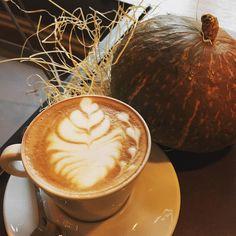 #buongiorno #buonadomenica #cappuccino #coffeeaddict #milanodavedere #posticiniamilano #colazione #colazioneitaliana #gorillemi by cafegorille
