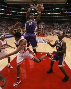Nate Robinson throwin' it down against Arizona.
