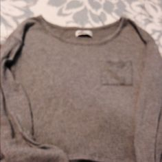 Hollister pocket top Great alone or layered Hollister Tops Tees - Long Sleeve