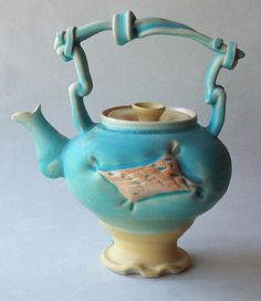 blue. teapot.  whats not to love??
