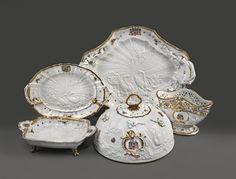 Tea Strainer, Chocolate Pots, Tea Cup Saucer, Tea Pots, Decorative Plates, Graf, Place Settings, Antiques, China Cabinet