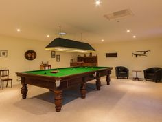 Ellwood in Cockermouth sleeps 8 guests and is a magnificent house with a Snooker room and its own bar. Pool Table Room, Pool Tables, Cottages With Pools, Lake District Cottages, Billards Room, All White Room, Chill Room, Luxury Living, Game Room