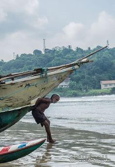 Galle fisherman by Samara Ratnayake