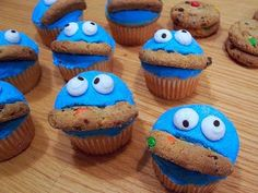Cookie Monster Cupcakes!  (From Cakes by Jeanette)
