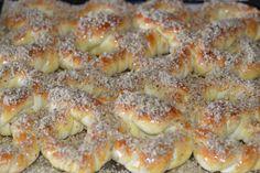 Mucenici moldovenesti impletiti - CAIETUL CU RETETE Just Cakes, Doughnut, Muffin, Dessert Recipes, Food And Drink, Ice Cream, Homemade, Cooking, Breakfast