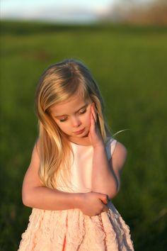 Little Girl Photography Samantha Coleman PhotographyTravel Photography http://www.samanthacolemanphotography.com/  COPYRIGHT