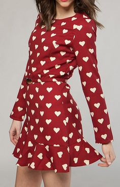 Red & White Heart Dress // Would actually love something like this for dress rehearsal :) Pretty Outfits, Pretty Dresses, Cute Outfits, 80s Fashion, Womens Fashion, Sweet Fashion, Dress Skirt, Dress Up, Heart Dress